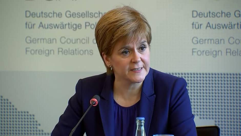Video: Schottische Ministerpräsidentin droht mit neuem Unabhängigkeitsreferendum