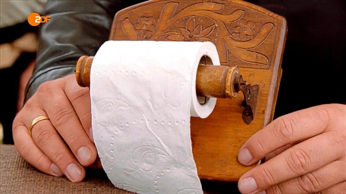 Der antike Klorollen-Halter gehörte einst Königin Alexandra von England