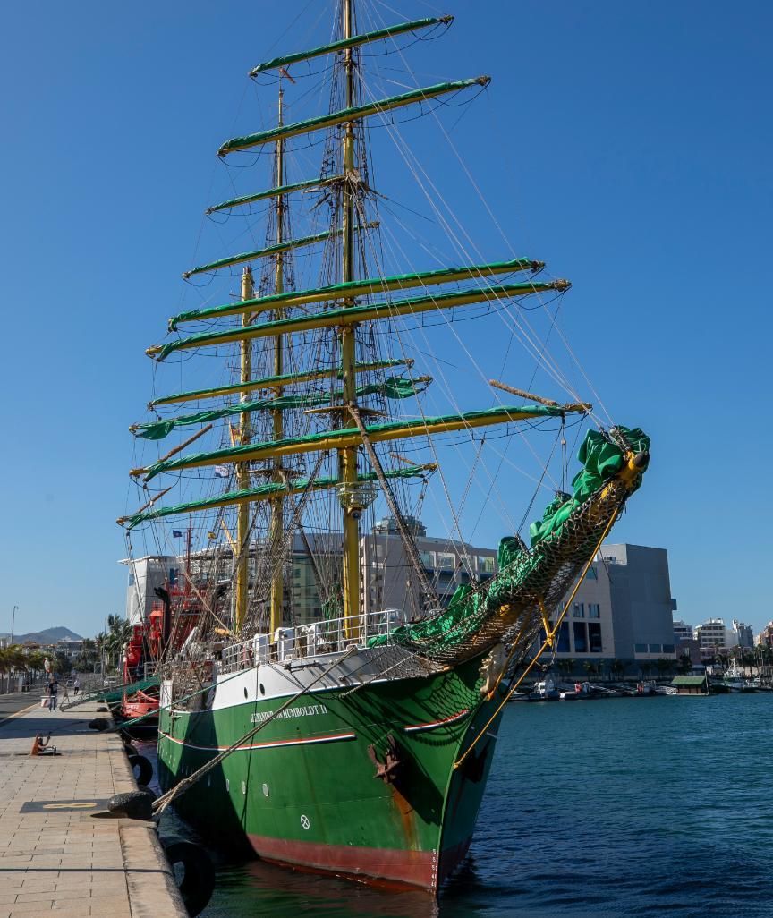 """Die """"Alexander von Humboldt II"""" – kurz """"Alex 2"""" – im Hafen von Las Palmas"""