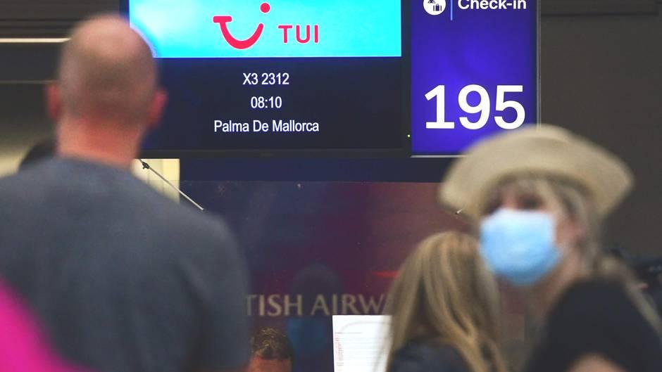 Nach Corona-Lockdown: Pilotprojekt auf den Balearen: Deutsche Urlauber in Richtung Mallorca gestartet