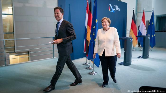 Berlin Mark Rutte bei Merkel (picture-alliance/ANP/B. Grösse)