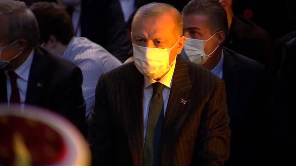 Türkei: Trotz aller Kritik: Präsident Erdogan betet beim ersten Freitagsgebet in der Hagia Sophia