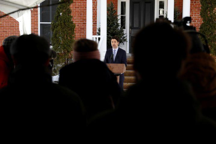 Kanadas Premier Trudeau Mitte März, nachdem sich seine Frau mit dem Virus infiziert hatte: Regieren aus dem Homeoffice