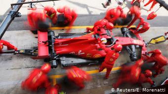 Spanien Barcelona | F1 Grand Prix | Vettel Pitstop (Reuters/E. Morenatti)