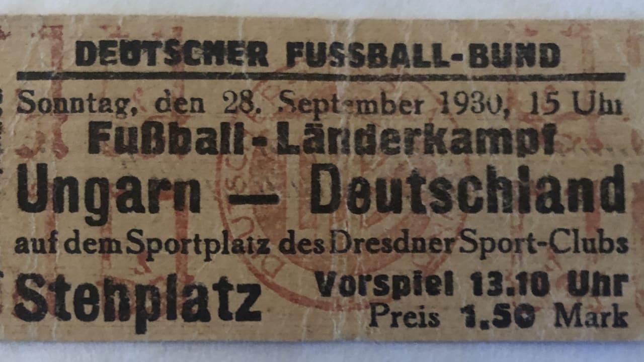 Eine Eintrittskarte von damals. Der Stehplatz kostete 1,50 Mark